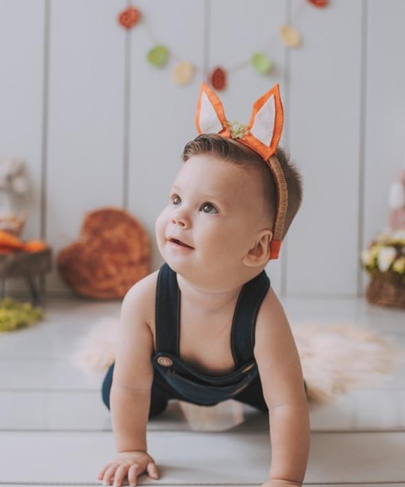 พัฒนาการทารกหัดคลาน และ มองหาสิ่งของรอบตัวอายุ 6 เดือน