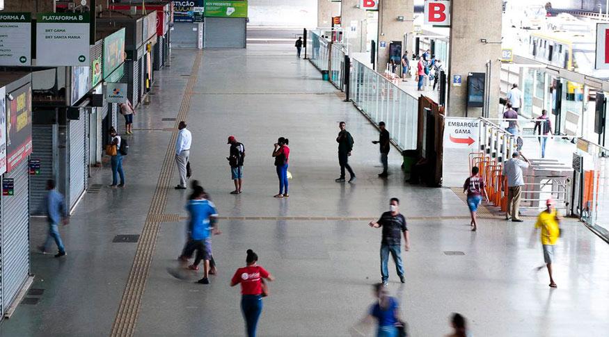 Serviços têm queda recorde de 11,7% e perdas em todas as cinco atividades em abril