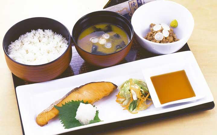 Rice, Miso soup, Seasoned seaweed, Natto (fermented bean), Salmon