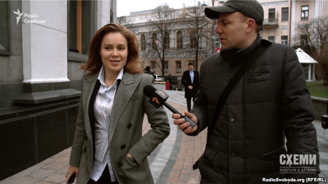 Народний депутат Наталя Королевська дивується запитанню про авто, на якому їздить на роботу