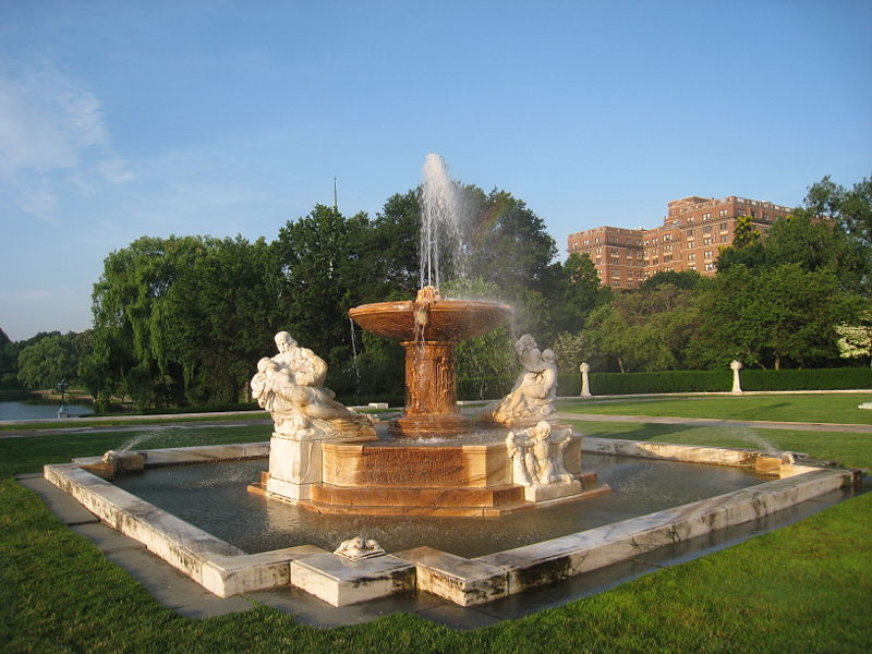 800px-Cleveland_Museum_of_Art_-_south_fountain.jpg