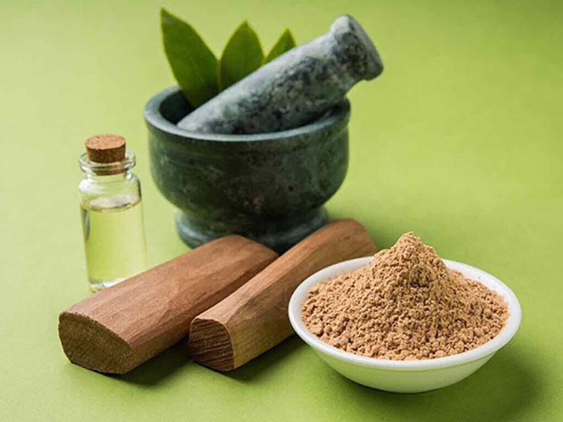 Bột gỗ đàn hương ứng dụng trong làm đẹp