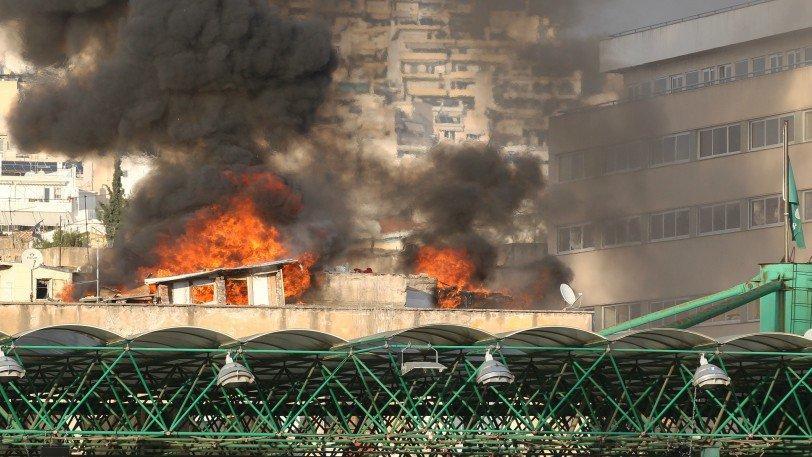 Φωτιά στα προσφυγικά πίσω από τη Λεωφόρο (pics)