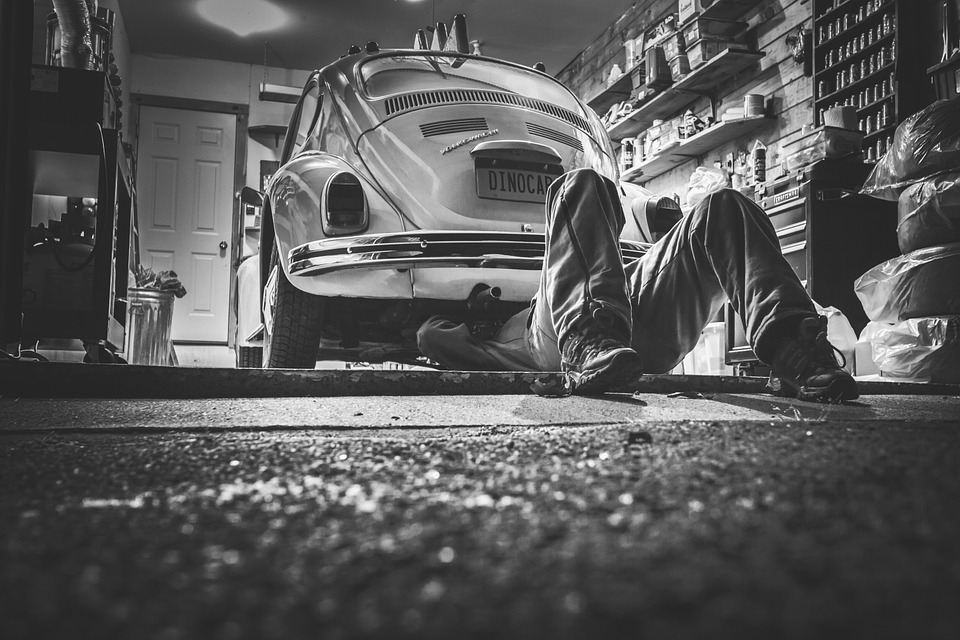 Risks and Dangers Involved in Maintaining Your Car