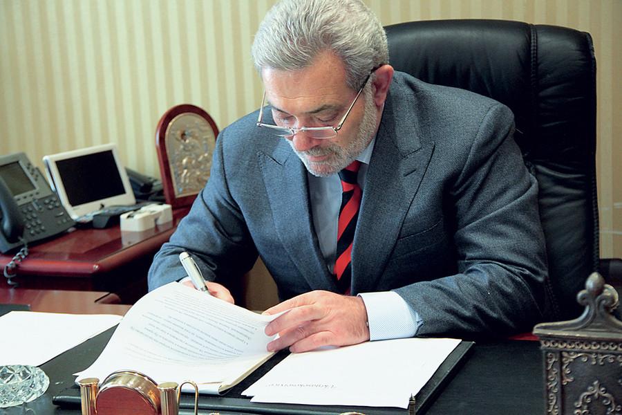 Михайло Гріншпон останніми роками більше відомий як радник керівника Державного космічного агентства України
