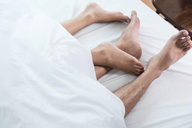 Hãy biết cách làm tình với đôi bàn chân của chàng