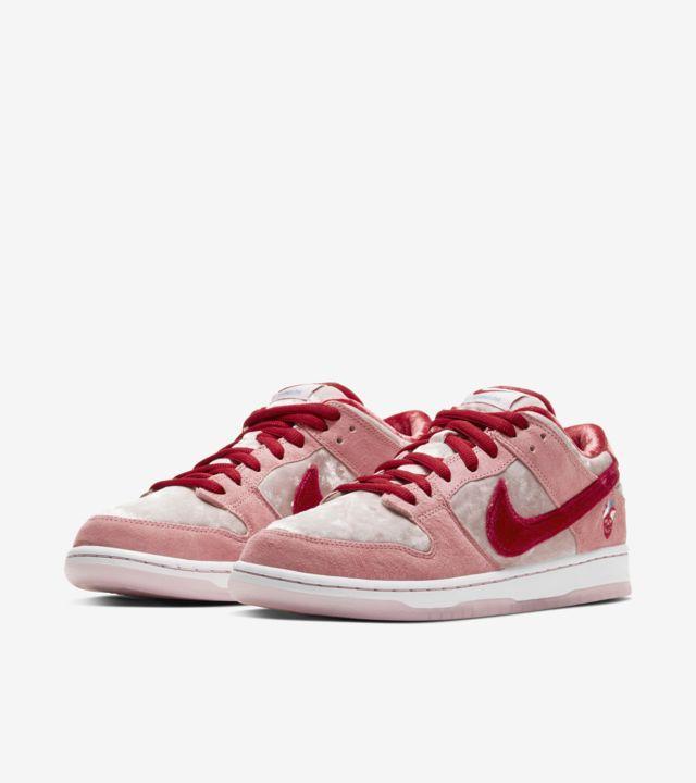 """StrangeLove x Nike SB Dunk Low"" รองเท้า Skateboards สุดหวานแหวว 05"