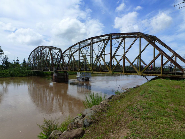 9) Costa Rica and Panama - This single-lane bridge over the Sixaola River, a natural border between the two Central American countries, is used by thousands of cars, trucks and pedestrians every day.