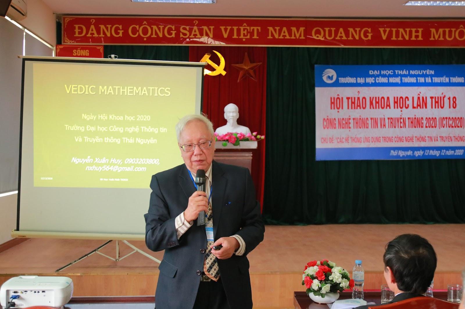 PGS.TSKH Nguyễn Xuân Huy trình bày báo cáo tại Hội thảo