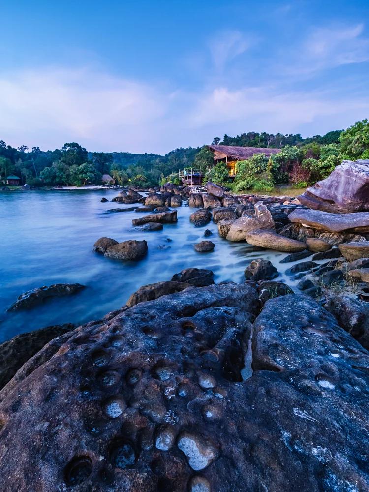 Bạn có biết Koh Rong Samloem - Thiên đường biển đẹp xinh của Campuchia? - ảnh 9