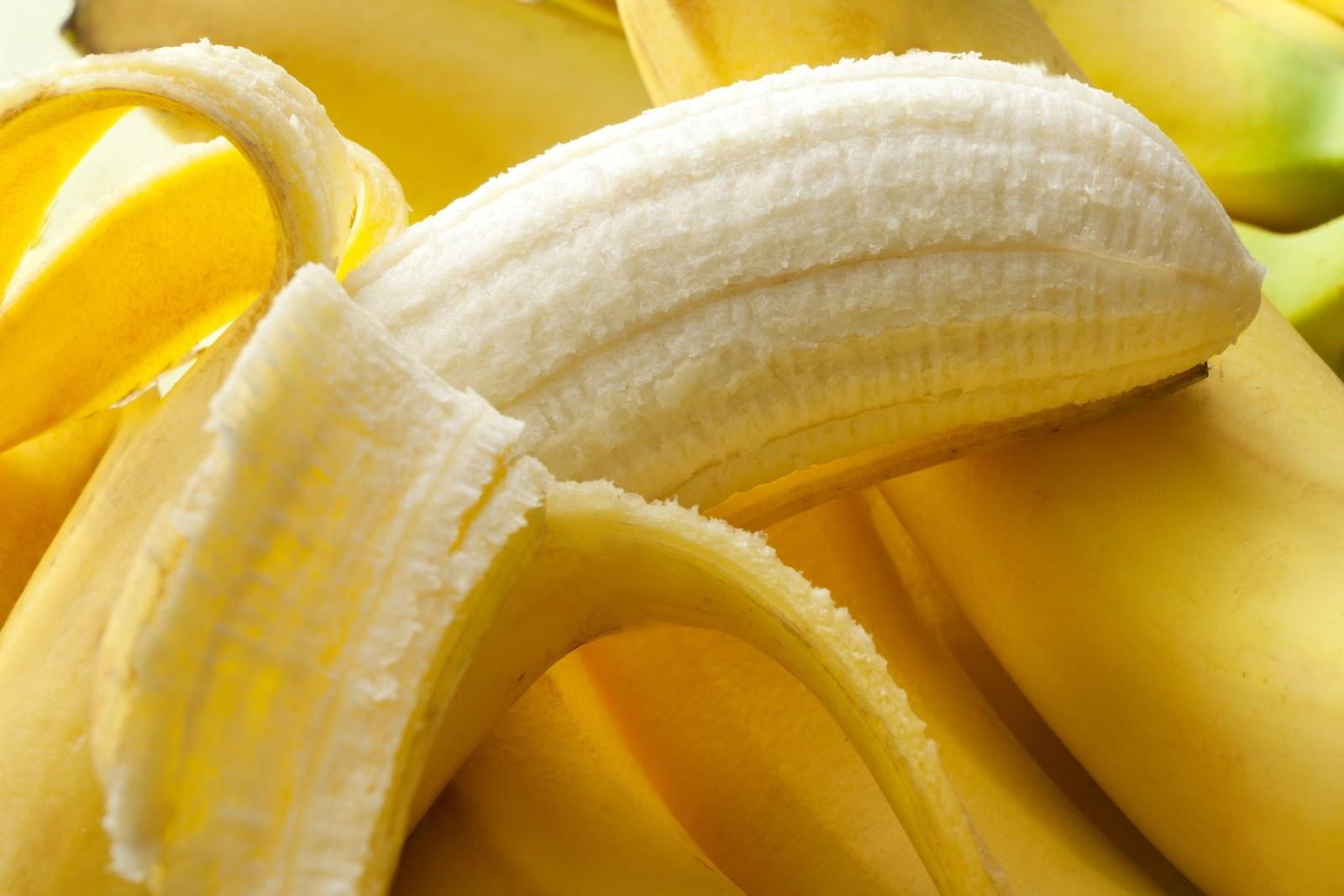 Banana is a natural high-fiber rich fruit.