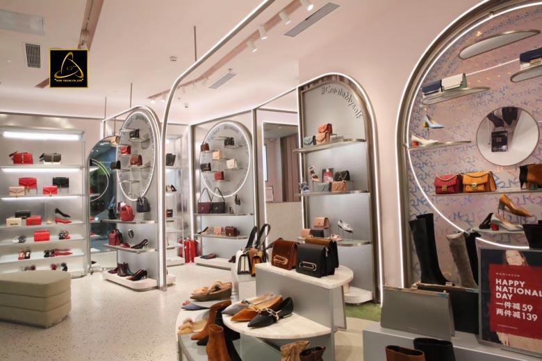 Một mặt bằng thuận lợi sẽ giúp cho việc kinh doanh giày hiệu quả