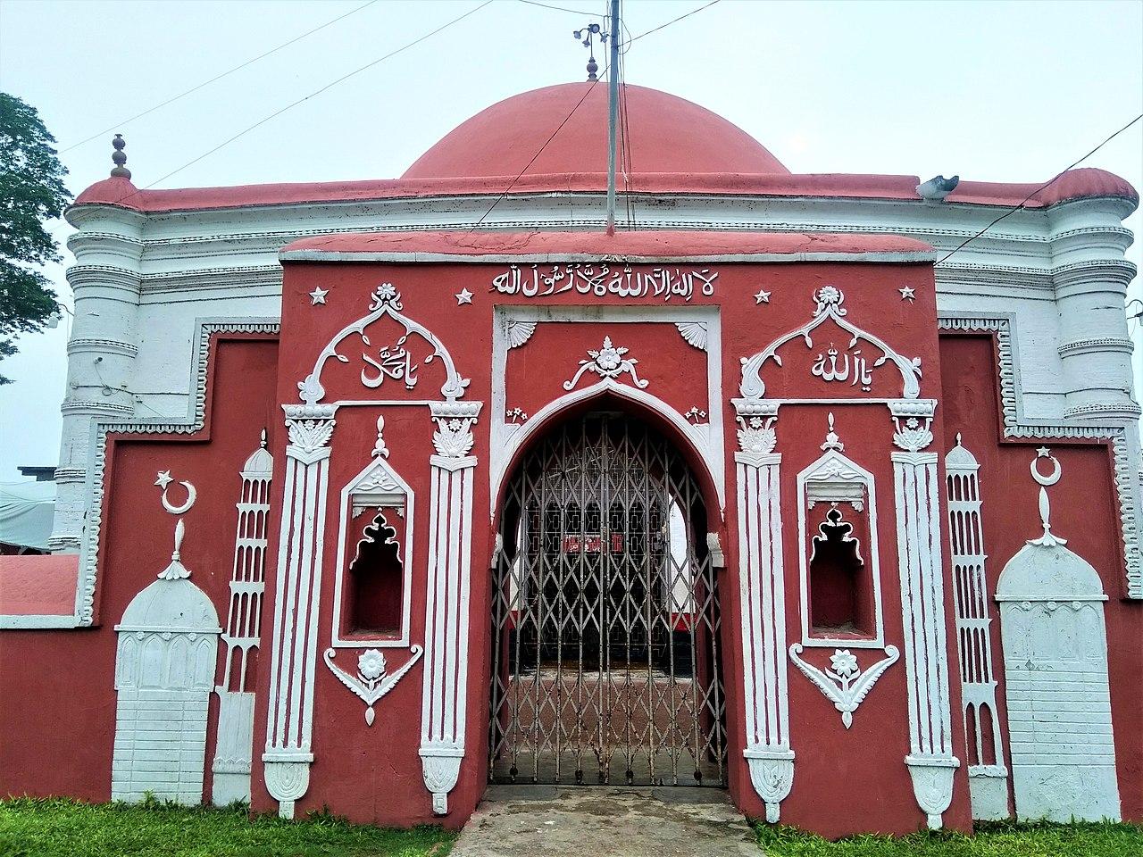 খান জাহান আলির সমাধিসৌধ ঘিরে স্থাপনাসমূহ