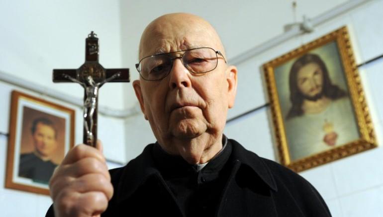 Padre-Amort-su-dimissioni-Papa-770x527-770x437.jpg