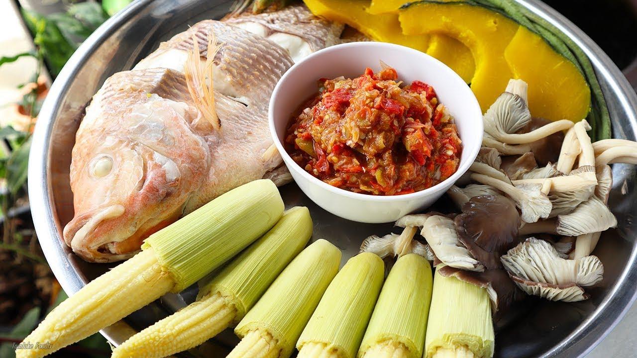 3. น้ำพริกทานคู่กับปลาและผักนึ่ง