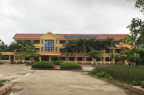 Trường THPT Nguyễn Chí Thanh, nơi nữ sinh bị đánh đang theo học. Ảnh: Quang Hà