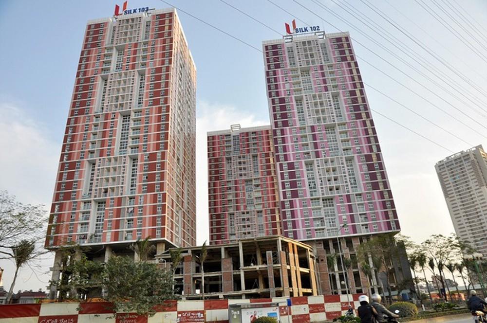 Nhiều người dân vẫn sống bất chấp nguy hiểm tại chung cư Usilk 102