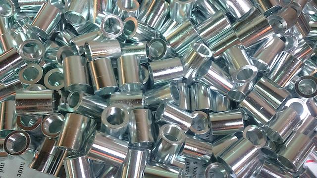 Giá gia công xi mạ kẽm sắt phụ thuộc vào kích thước kết cấu sắt