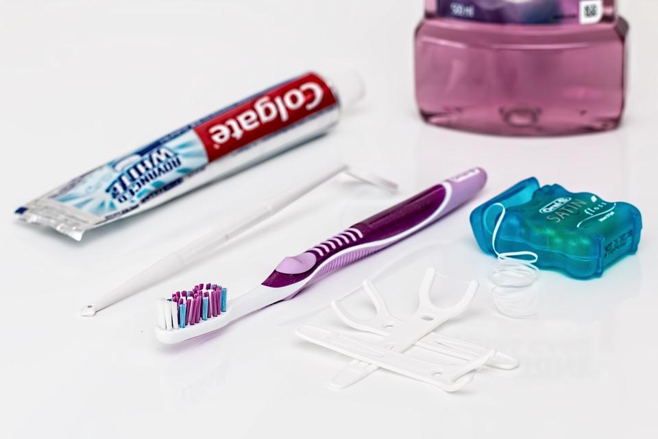 Tandverzorging spullen op een rij