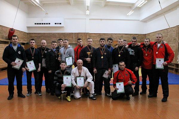 Анатолий Примак - крайний справа.  Фото sb.by.