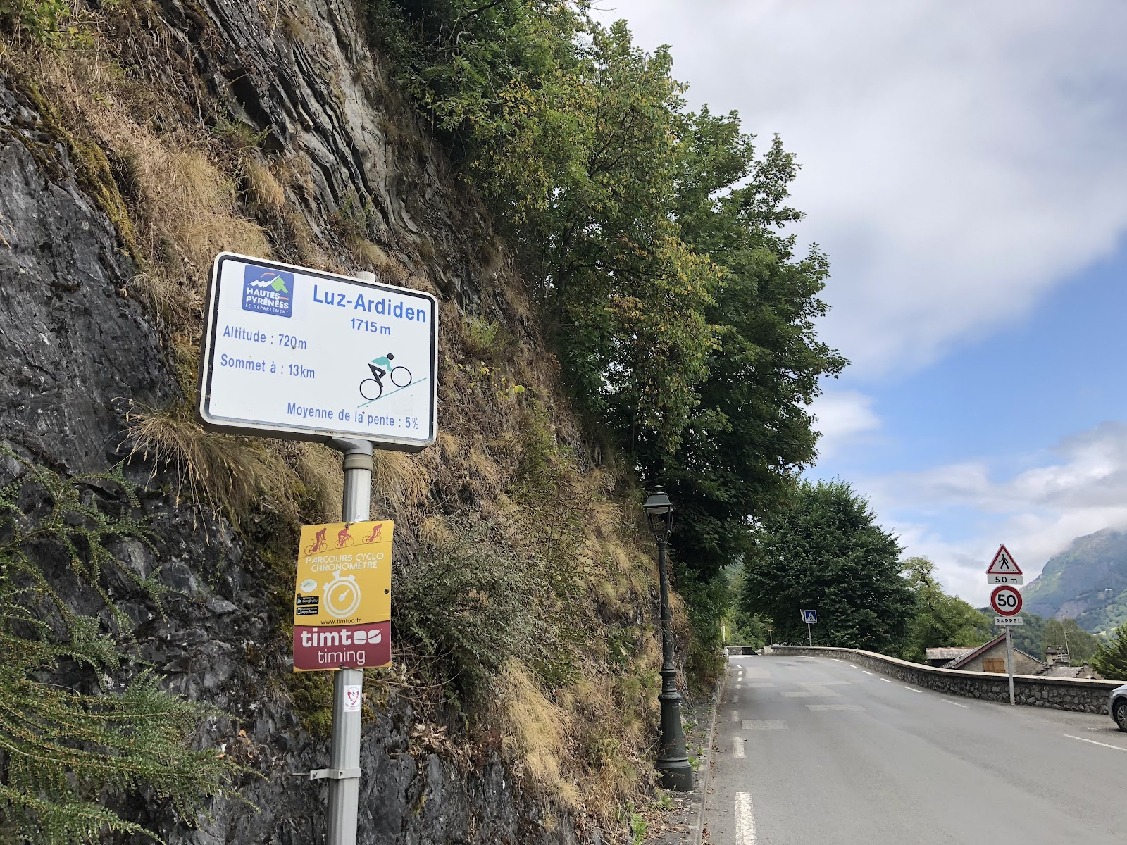 Biking Luz Ardiden - start - km marker