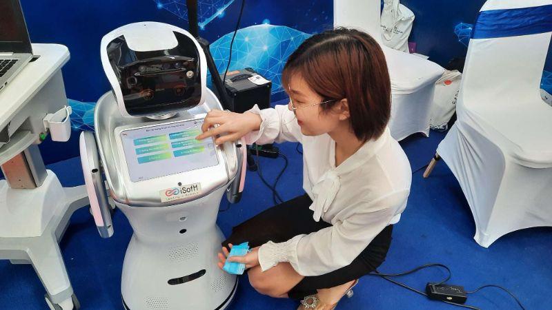 Smart Hospital Assistant Robot - Robot trợ lý y tế mini