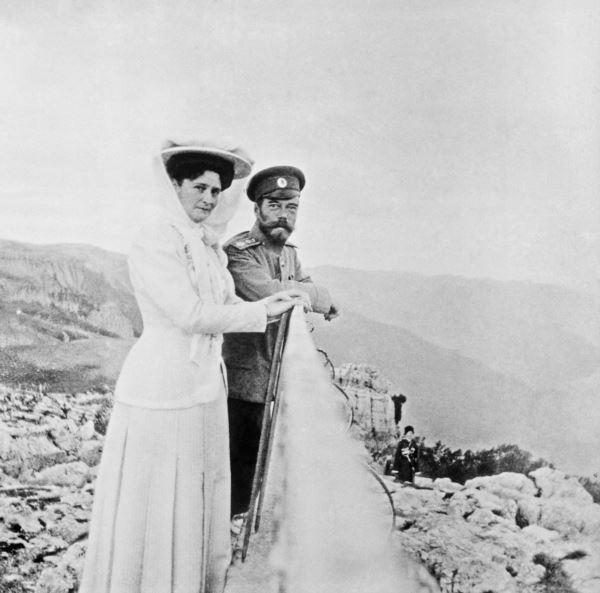 Николай Второй и императрица Александра Федоровна в Крыму. Конец 1909 года