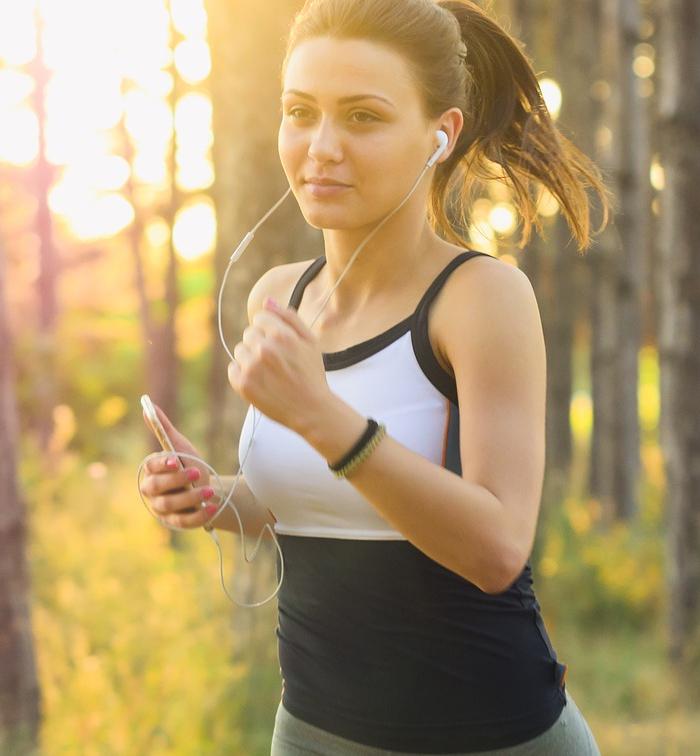 El ejercicio ayuda reducir los niveles de colesterol.