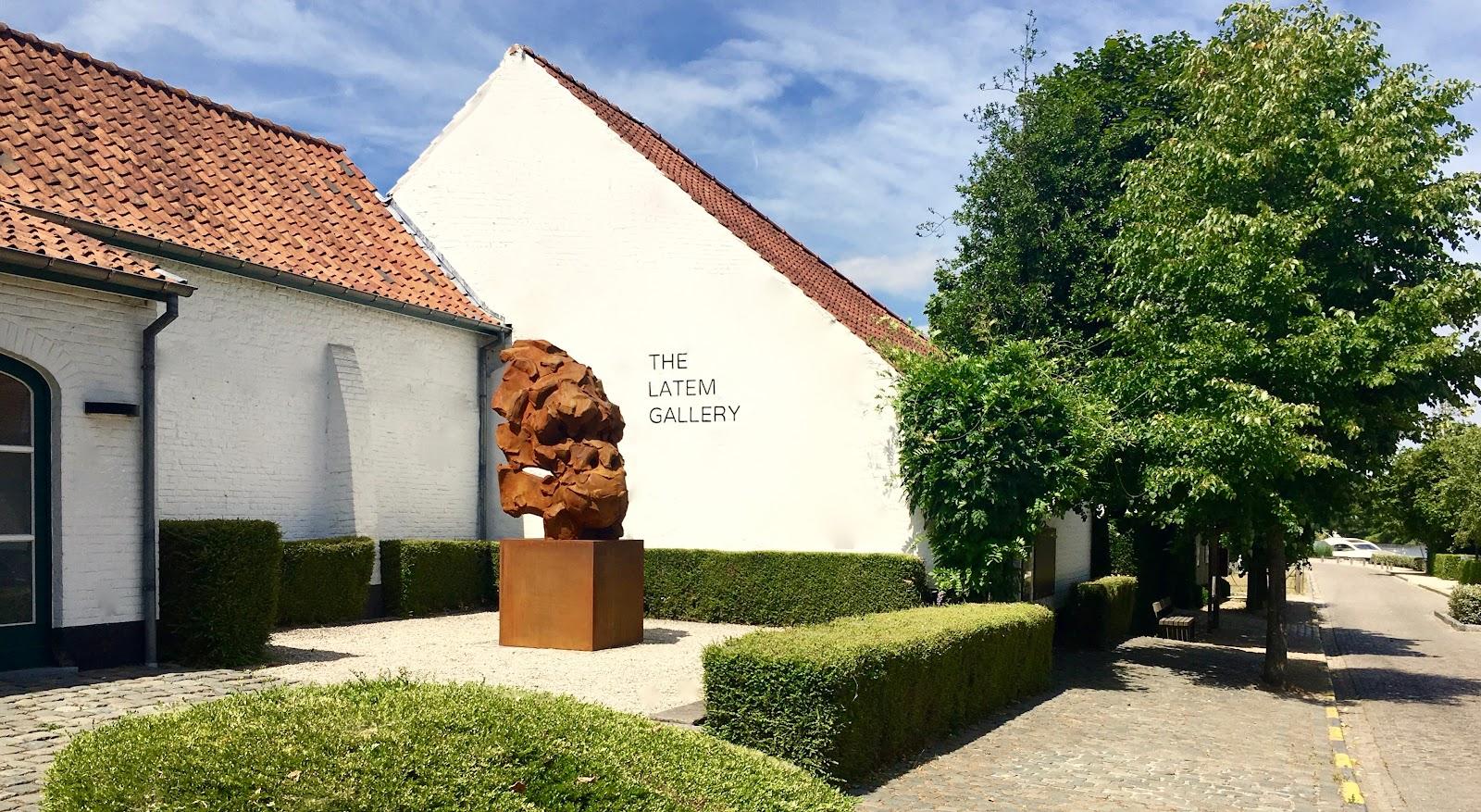 "catherine thiry sculpture wanted gorilla ""ààcm contemporarysculptor belgianartist belgium art brussels .jpg"
