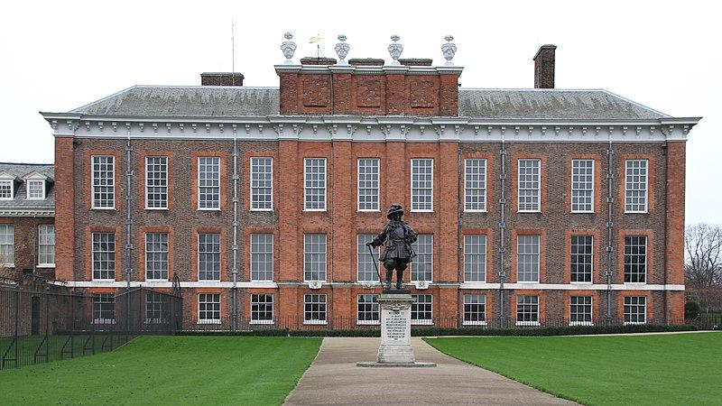 File:Kensington Palace (24073555941).jpg