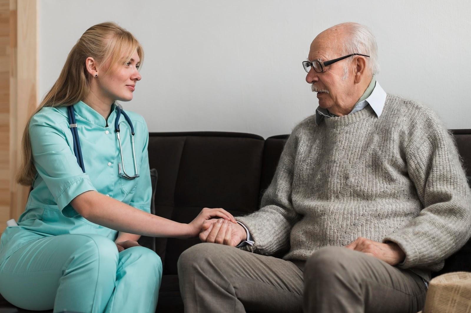 Pacientes com demência precisam de cuidados especiais e risco de infecção aumenta
