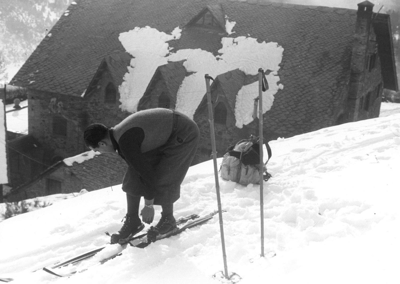 Esquiador en La Molina en los años 40 - Fuente Lamolina.cat