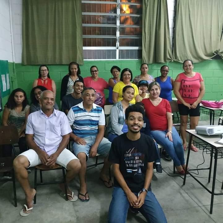 Isaac com a turma da EJA em São Vicente (SP)