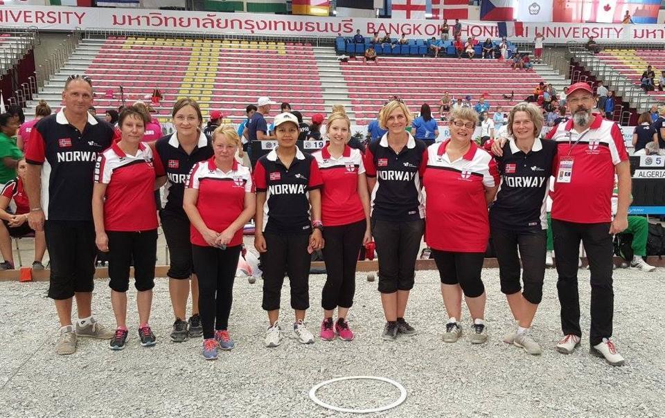Teams England & Norway.jpg