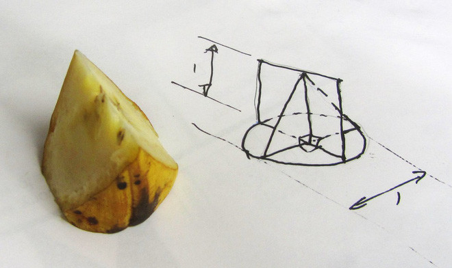 Khối hình được cắt từ quả chuối.