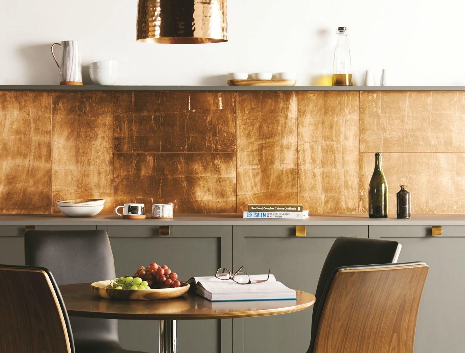 Sơn hiệu ứng Waldo - Dát vàng lá - Nghệ thuật dát vàng lá được bày trí trong không gian căn bếp ấm áp, đủ đầy