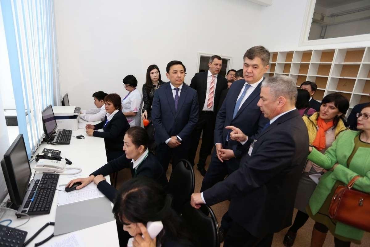 """Министр здравоохранения Елжан Биртанов уверен, что переход здравоохранения на """"цифру"""" пройдёт успешно"""