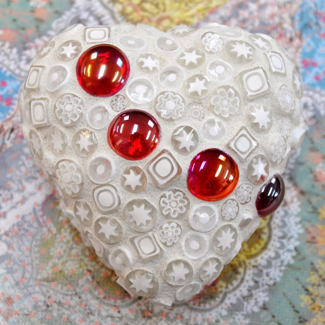 White Lace Mosaic Heart Moo5085 Beads Amp Pieces