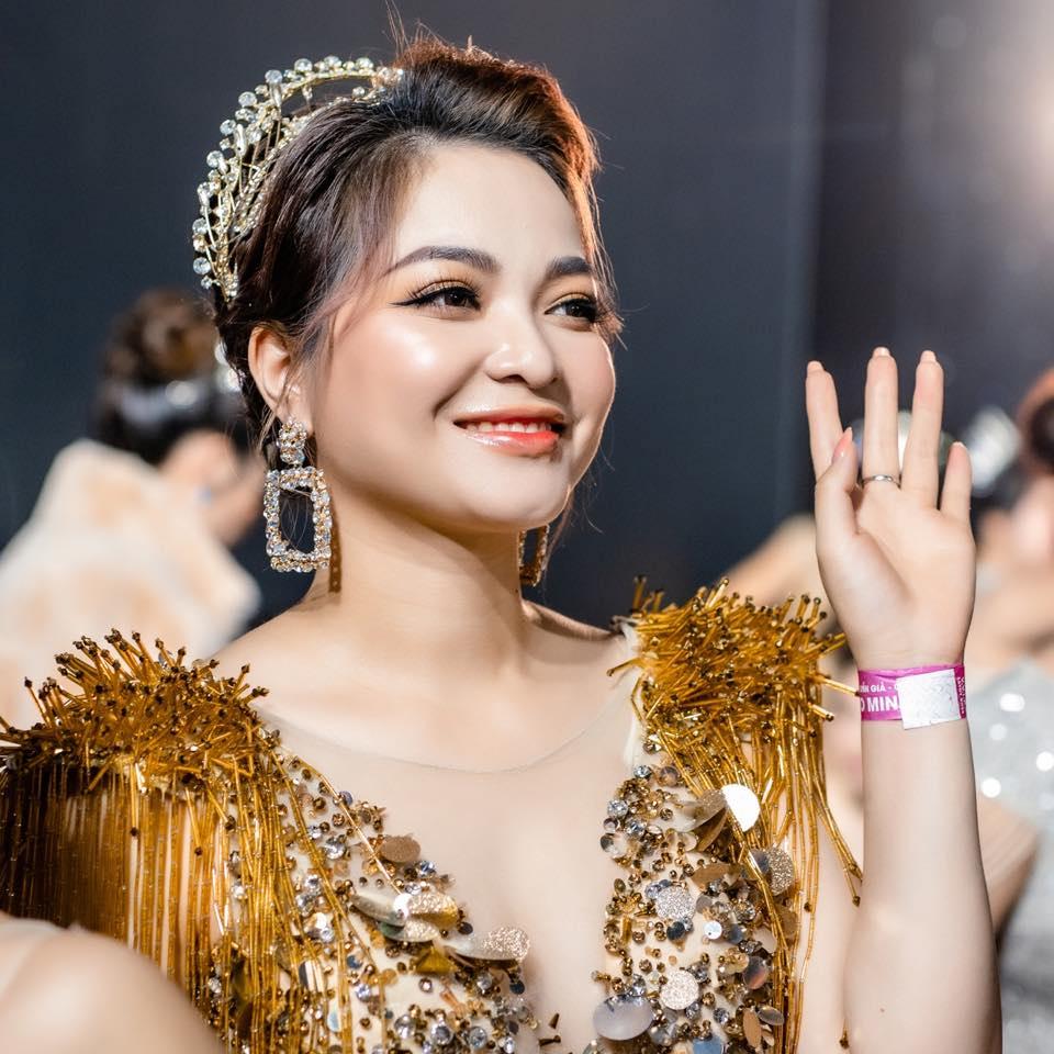 CEO Bến Bế được vinh danh Á hoàng doanh nhân Magic Skin 2020 - Ảnh 2