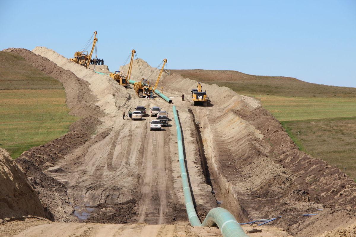 /Users/Meghan/Documents/Her Campus /dakota access pipeline.jpg