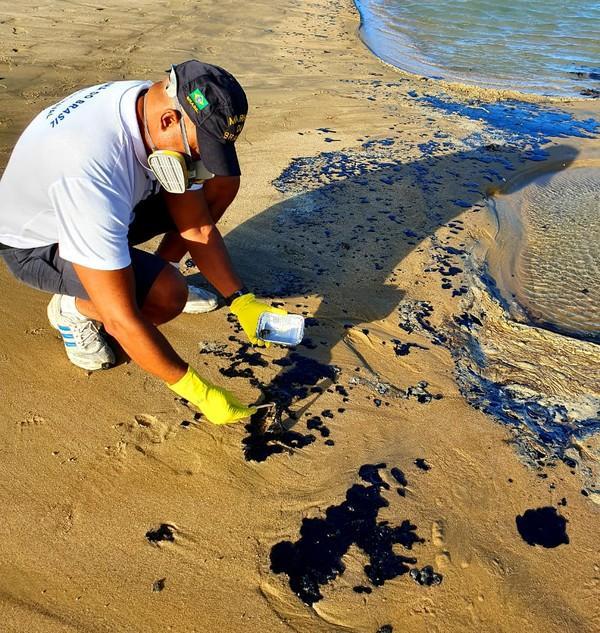 C:\Users\User\Documents\unesp\impacto-ambiental\manchas-praias\IMG-20150424-WA0008.jpg