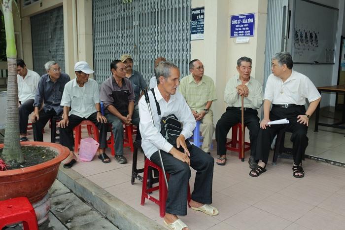 Sáng sớm 7 giờ, các thương binh Việt Nam Cộng Hòa (TB VNCH) đã có mặt