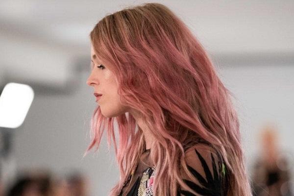 нежно розовая краска для волос