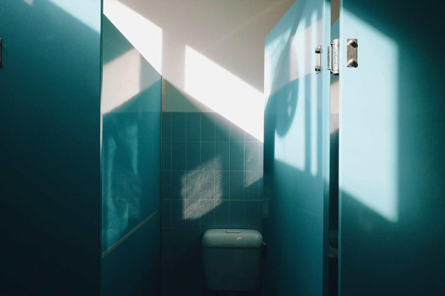 How to Choose the Best Paint for Your Bathroom 11