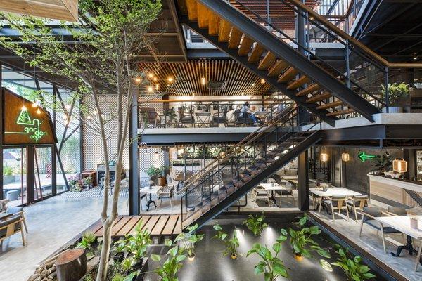 Mẫu Thiết kế quán cafe sân vườn 80m2 theo phong cách Công nghiệp đẹp độc