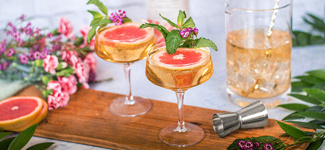 Make Bellinis For Mother's Day Brunch