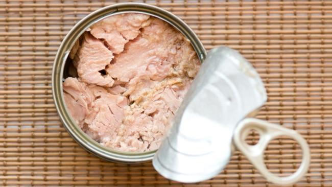 بهترین غذاهای ضد چین و چروک را بشناسید پوست و مو رژیم لاغری دکتر کرمانی ماهی های چرب