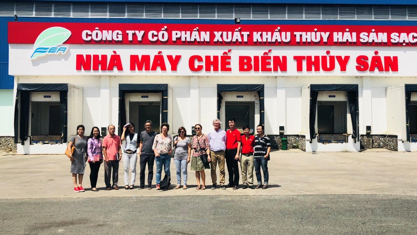 1. Đoàn phóng viên Châu Âu tham quan Nhà máy chế biến thuỷ sản sạch của công ty Sao Mai IDI.jpeg