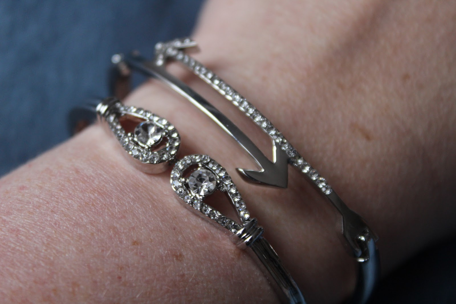 Recenze Ejavejo: Sada dámských hodinek a náramků