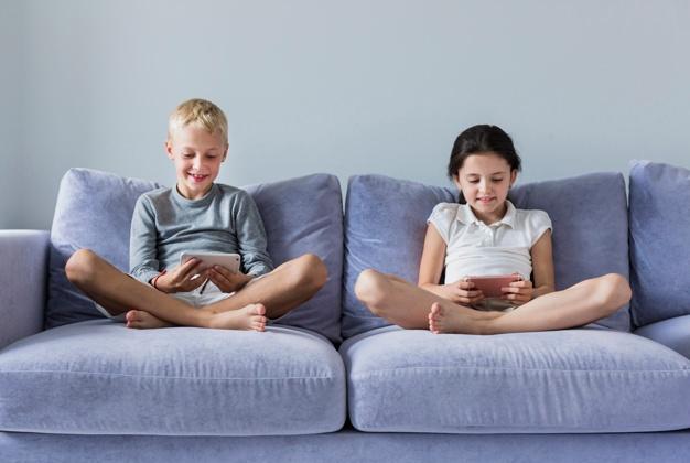 Kids with smartphones